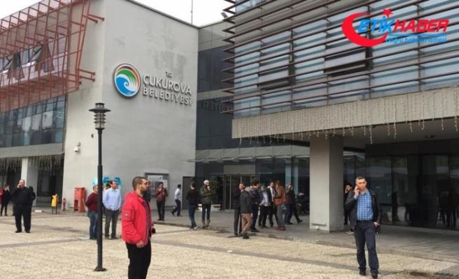Adana'da zabıta memuru 2 amirini vurdu: 2 ölü