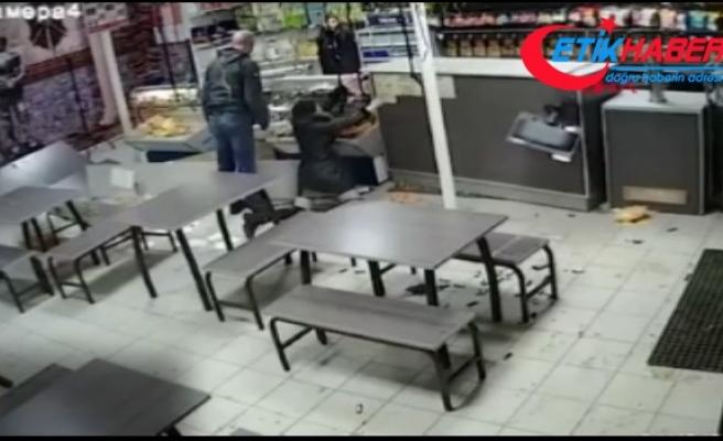 Dükkanını dağıtan sarhoş çifte, elektrik testere ile saldırdı