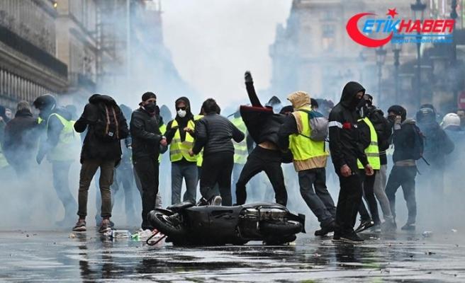 Fransa'da akaryakıt istasyonlarında yakıt sorunu yaşanıyor