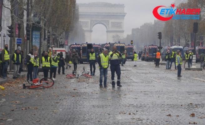Fransız hükümeti geri adım attı