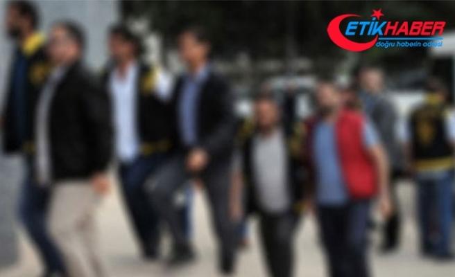 İzmir'de operasyon: 2'si üsteğmen 11 gözaltı