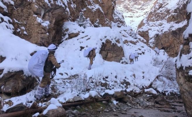Karla kaplı arazide PKK'ya ağır darbe