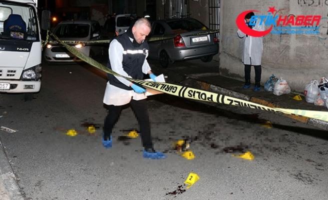 Kızını döven damadını sokak ortasında bıçakla öldürdü