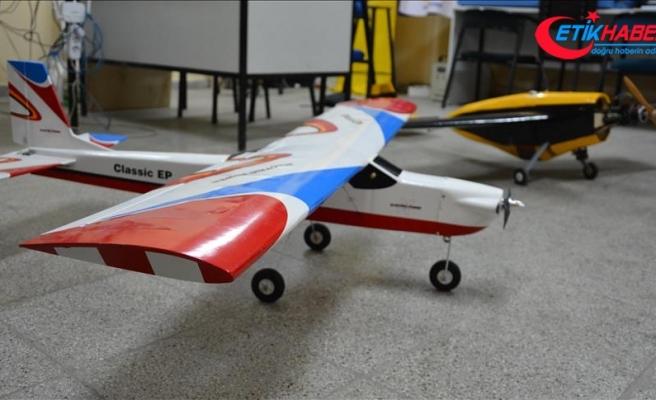 'Model uçak' hayaline doktorluktan sonra kavuştu