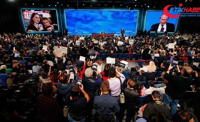 Putin'in basın toplantısına gazetecilerden rekor katılım