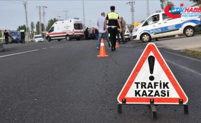 Sivas'ta yolcu otobüsü devrildi: 20 yaralı
