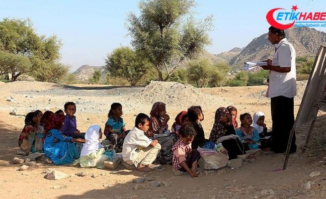 Yemen'in Hudeyde şehrinde 60 binden fazla çocuk okula gidemiyor