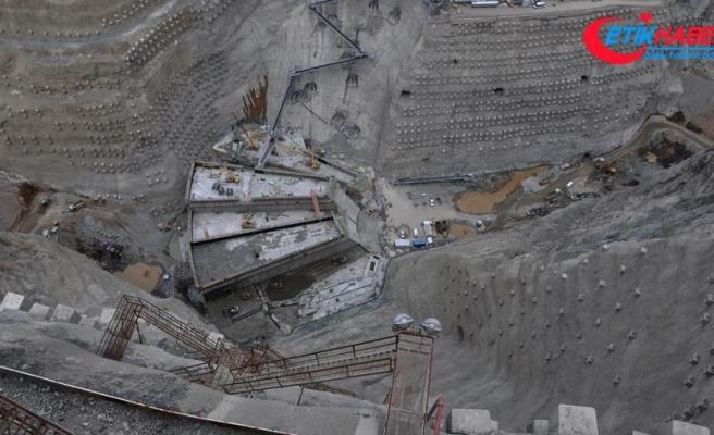 Yusufeli Barajı'nda gövde yüksekliği 50 metreye ulaştı