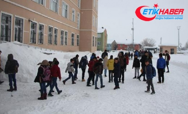 18 gün sonra okulların yeniden açıldığı Karlıova'da eğitime yine ara verildi