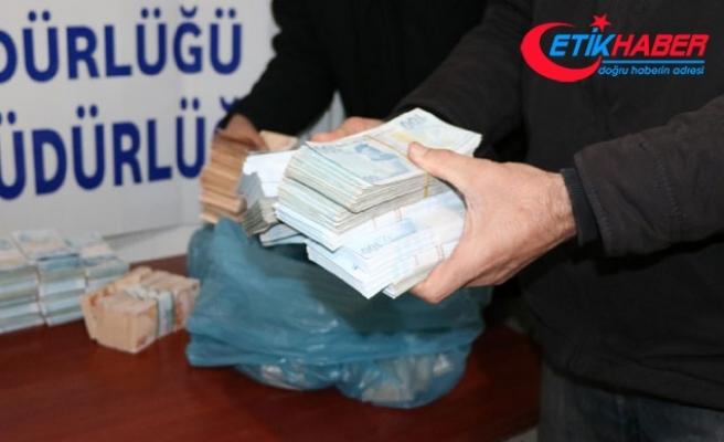 1 milyon 482 bin liralık soygunun şüphelileri yakalandı, para bulundu
