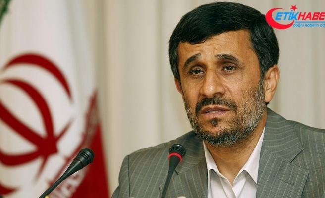 Ahmedinejad protesto için hükümetten izin istedi