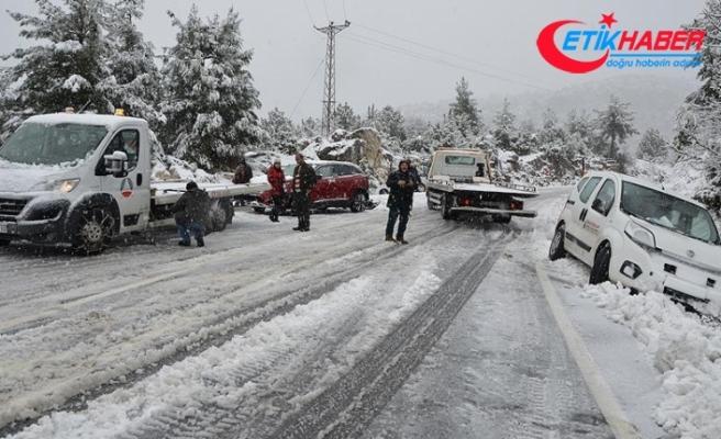 Antalya-Konya kara yolunda ulaşım güçlükle sağlanıyor