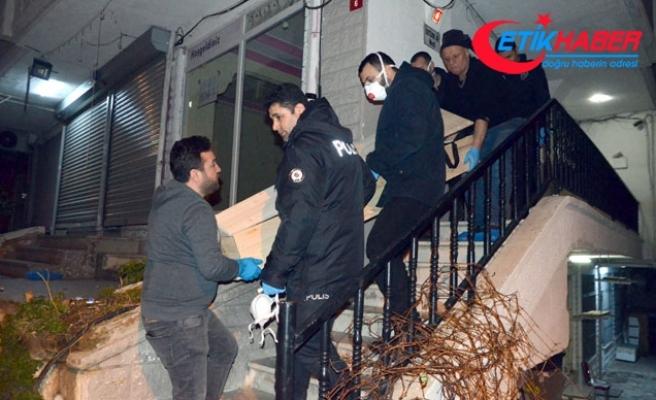 Avcılar'da ağır koku yayılan evdeki bazadan kadın cesedi çıktı