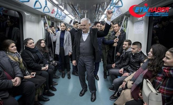 Binali Yıldırım Marmaray ile yolculuk yaptı