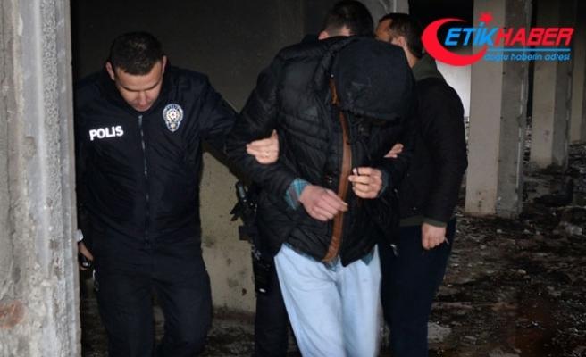 Boş fabrika binasında kız çocuğuyla çıplak yakalandı