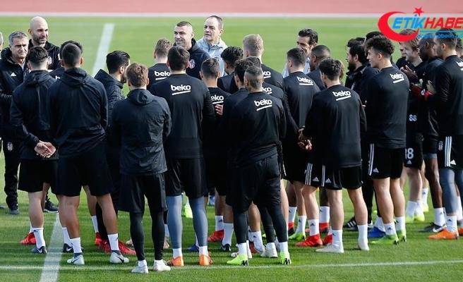 Burak Yılmaz, Beşiktaş'ta antrenmana çıktı