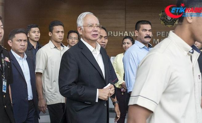 Çin, Malezya'daki yolsuzluk soruşturmalarına nüfuz etmeyi teklif etmiş