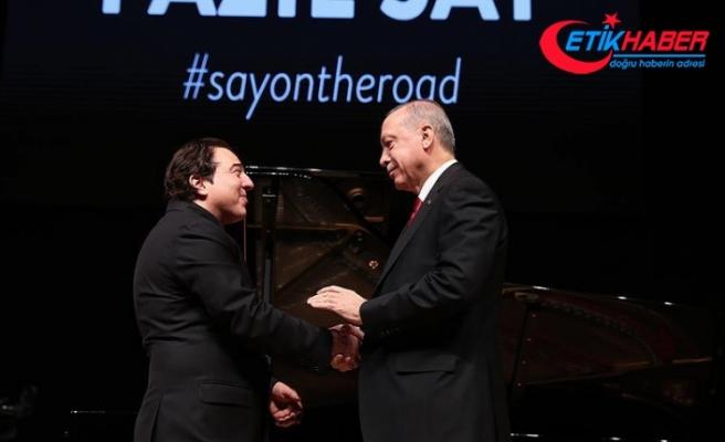 Cumhurbaşkanı Erdoğan, ünlü besteci ve piyanist Fazıl Say'ın konserini izledi