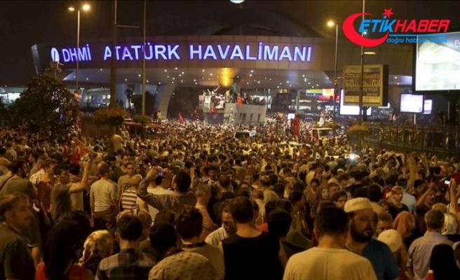 'Darbeci albay Atatürk Havalimanı'nı kurtaran polisleri tehdit etmiş'