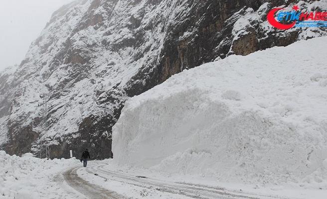 Doğu'da buzlanma ve çığ uyarısı