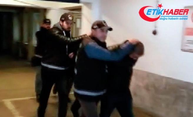 Emlakçıya gasp; mobeseden kaçtılar, güvenlik kamerasına yakalandılar