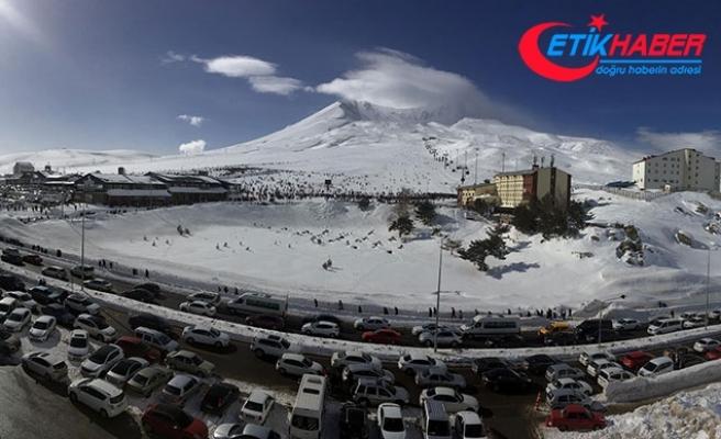 Erciyes'e hafta sonu 125 bin ziyaretçi