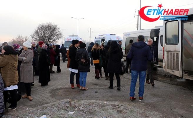 Erzincan'da servisler çarpıştı: 3 yaralı