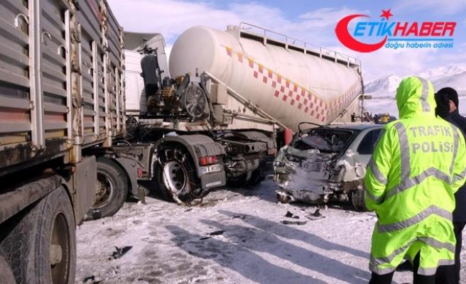 Erzurum'da 7 araç birbirine girdi: 1 ölü, 4 yaralı