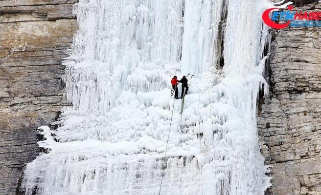 Erzurum'da uluslararası buz tırmanış festivali renkli görüntülere sahne oldu