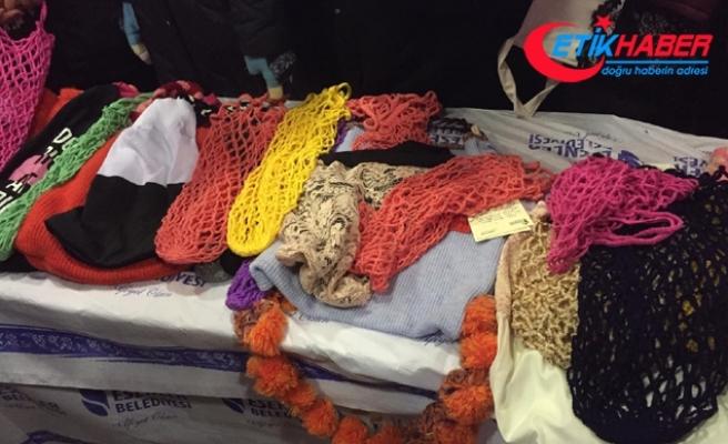 Esenlerli kadınlar poşete karşı el emeği file dağıttı