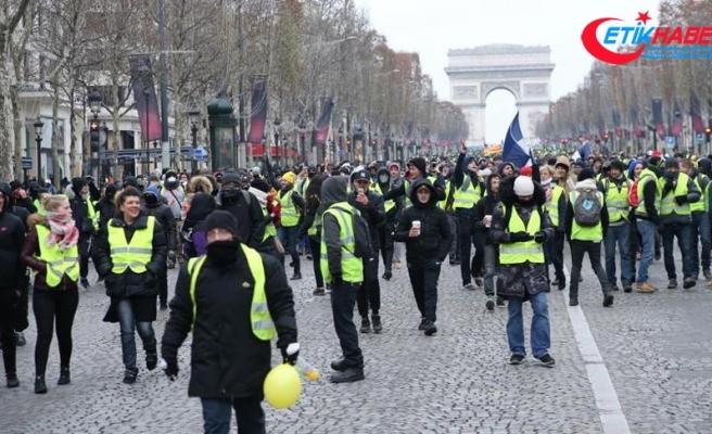 Fransa'da sarı yeleklilerin gösterisi yasaklandı