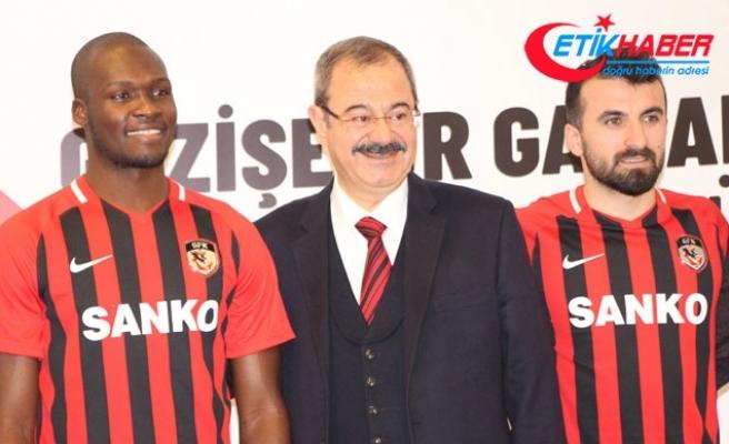 Gazişehir Gaziantep'de Moussa Sow ve Erhan Çelenk imzayı attı