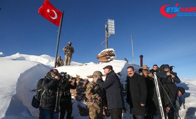 İçişleri Bakanı Soylu üs bölgesini ziyaret etti