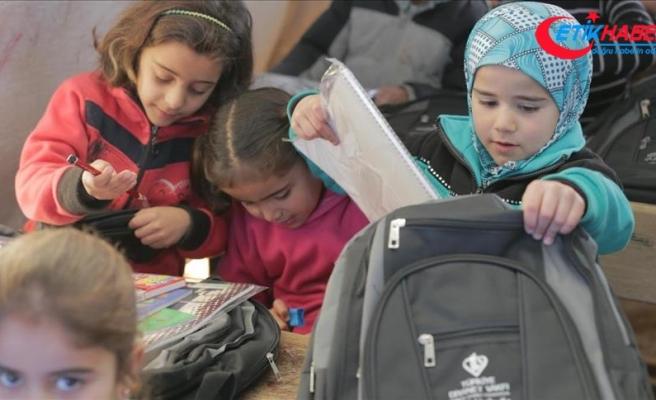 İdlib'de rejim saldırıları nedeni ile okullarda eğitime ara verildi