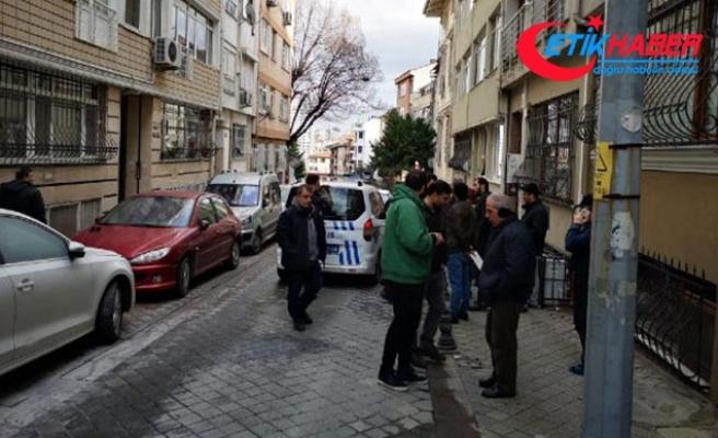 Kadıköy'de 'ters duruyor' diye aracı ateşe verdi