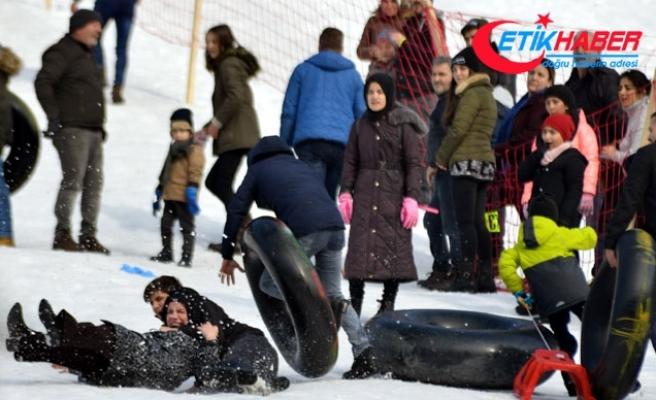 Kar festivali kazalarla başladı: 15 yaralı