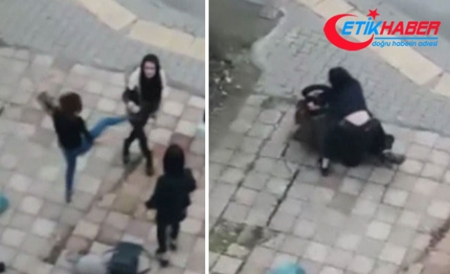 Kızların saç saça baş başa kavgası kamerada