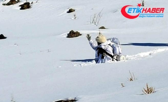 Komandolar 1 metre karda terör operasyonunda