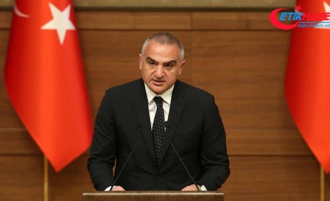 Kültür ve Turizm Bakanı Ersoy: Bu tören sanatçılara duyulan vefanın bir ifadesidir