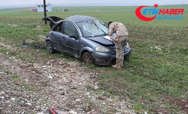 Lastiği patlayan otomobil takla attı: 7 yaralı