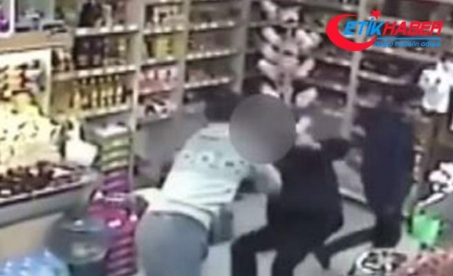 Marketteki tacizciyi kick boks antrenörü böyle etkisiz hale getirdi