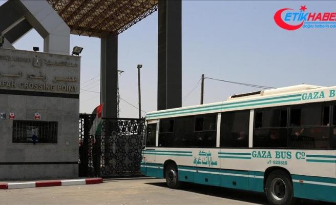 Mısır Refah Sınır Kapısı'nı çift taraflı açtı