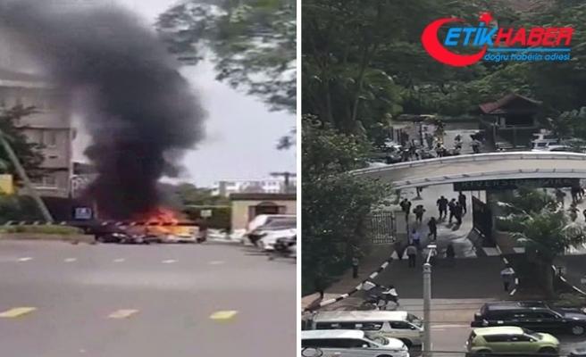 Nairoibi'de otel yakınında patlama ve silah sesleri
