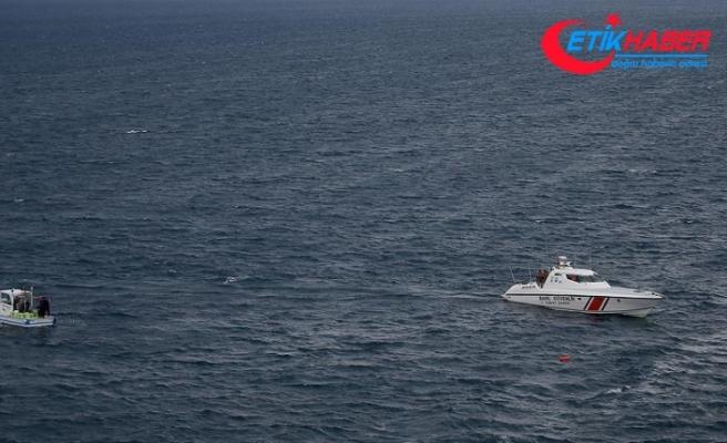 Sinop açıklarında balıkçı teknesi battı: 3 kişi kurtarıldı