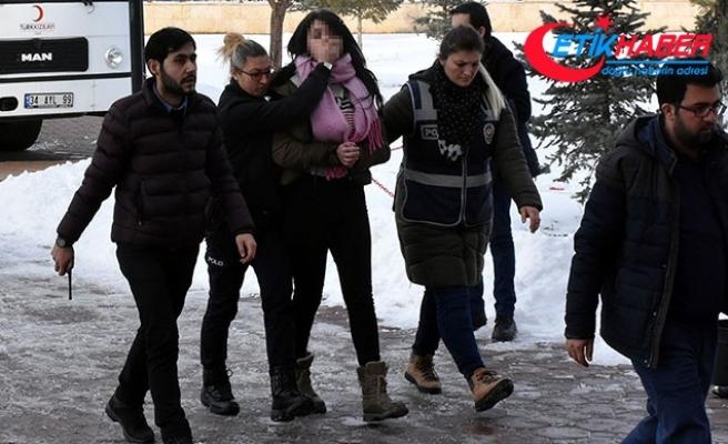 Sivas'ta fuhuş operasyonu: 4'ü kadın 5 kişiye gözaltı