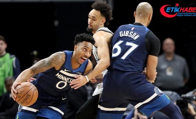 Timberwolves son saniyede kazandı