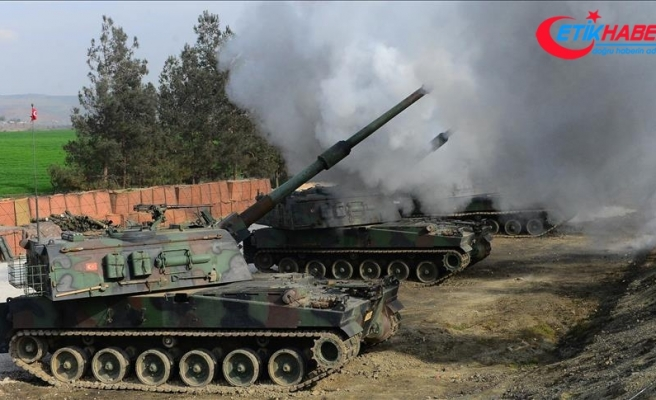 TSK Tel Rıfat'taki YPG/PKK'lı teröristleri vurdu
