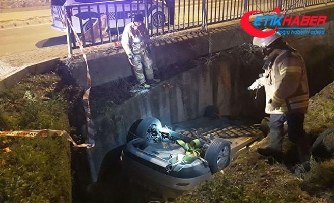 Üsküdar'da otomobil dereye uçtu: 1'i çocuk 4 yaralı