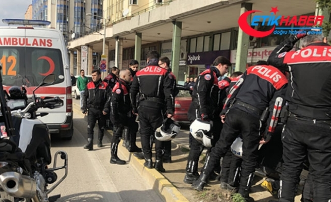 'Yunus' ekibinin motosikleti devrildi: 2 polis yaralı