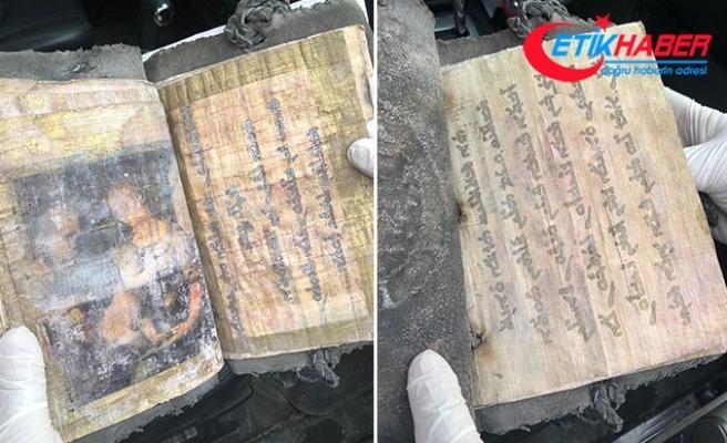 1700 yıllık kitabı 500 bin Euro'ya satmaya çalışan 7 şüpheli yakalandı